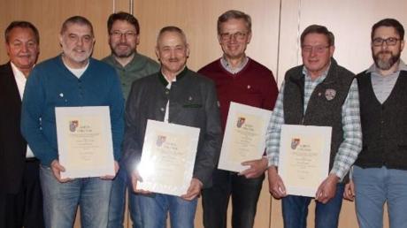 Treue Mitglieder hat das Blasorchester Kötz bei der Mitgliederversammlung ausgezeichnet.