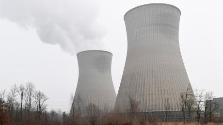 Atomkraftgegner kritisieren das AKW Gundremmingen wegen mangelnder Transparenz bei einem Atommüll-Transport.