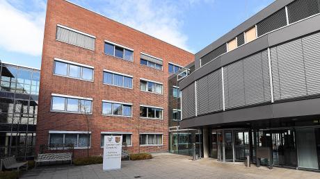 Das Landratsamt Günzburg. Hier werden telefonisch Bürgerfragen zum Coronavirus beantwortet.