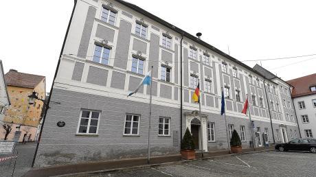 Gerhard Jauernig hat im Rathaus weiterhin das Sagen. Er geht in seine vierte Amtszeit als Oberbürgermeister von Günzburg, doch wer wird Zweiter und Dritter Bürgermeister?