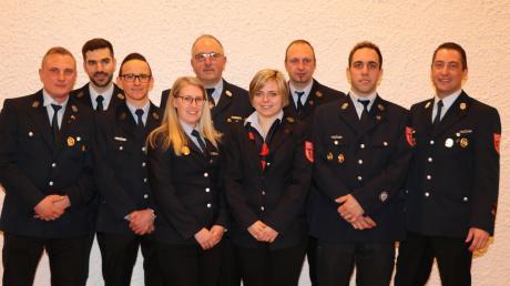 Führungswechsel bei der Feuerwehr Burtenbach (von links): Michael Eckert, Bernat Solé-Sanuy, Mario Walitza, Sonja Pfaudler, Heinz Dolde, Daniela Kempter, Sven Roschmann, Tobias Dolde und Florian Dolde.