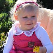 Sie war kerngesund und lebensfroh: die zweieinhalbjährige Franziska aus dem Landkreis Günzburg. Die Eltern bangen um das Leben ihrer Tochter, weil sie an Blutkrebs leidet. Dringend gesucht wird ein Stammzellenspender.