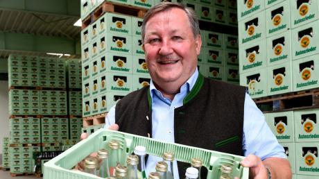 Bei der Schlossbrauerei Autenried generiert der Mineralbrunnen mehr Umsatz als die Brauerei selbst, sagt Chef Rudolf Feuchtmayr.