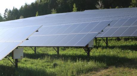 Östlich des Ortsteils Rechbergreuthen soll ein Solarpark entstehen. Die Frage ist, in welcher Höhe die einzelnen Module maximal errichtet werden dürfen.