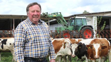 Georg Holzinger war 24 Jahre lang Bürgermeister der Gemeinde Haldenwang. Jetzt möchte er seinem früheren Beruf wieder nachgehen und seinem Sohn Michael in der Landwirtschaft behilflich sein.