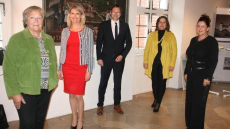 Vier Stellvertreterinnen stehen Landrat Hans Reichhart künftig zur Seite: (von links) Angelika Fischer (Grüne), Monika Wiesmüller-Schwab (CSU), Ruth Abmayr (Freie Wähler) und Simone Riemenschneider-Blatter (SPD).