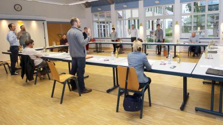 Im Dürrlauinger Gemeinderat wurden sieben neue Mitglieder vereidigt. Die Sitzung fand dieses Mal im Dorfzentrum Mindelaltheim statt.
