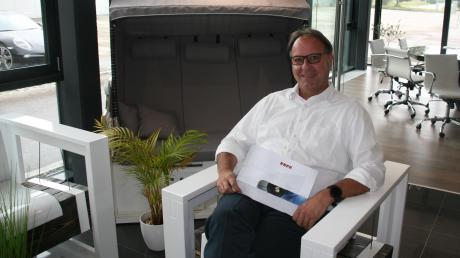 Achim Hab, Inhaber der Agentur für Messebau und Design mit Namen Aido, war der erste Unternehmer, der sich im neuen Gewerbegebiet auf dem ehemaligen Leipheimer Fliegerhorst angesiedelt hat. Seine Erinnerungen an die Anfänge sind nicht restlos positiv.