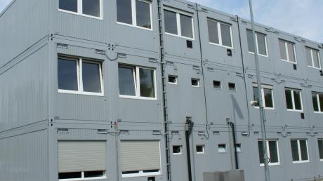 Ein Beispiel eines zusätzlichen Container-Gebäudes mit Büroräumen auf dem Gelände des Kraftwerks in Gundremmingen.