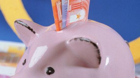 Gut gefüttert ist das Sparschwein der Marktgemeinde Waldstetten mit derzeit etwa 7,8 Millionen Euro. Das ermöglicht Investitionen.