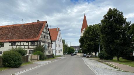 Wie soll Riedheim künftig aussehen? Ein Bauantrag brachte die Diskussion über das Dorfbild ins Rollen. Jetzt berieten die Stadträte zum ersten Mal darüber, wie dicht der Ortsteil besiedelt werden sollte.