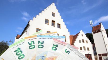 Die Finanzen im Mittelpunkt: Haushalt, Wasser- und Abwassergebühren wie auch die Heizungsanlage im Rathaus waren die Themen im Gemeinderat.