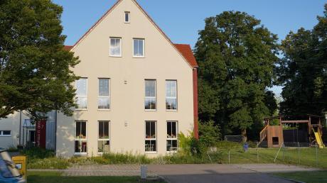 Ab September wird es im Kinderhaus St. Anna in Bubesheim wieder zwei Kindergartengruppen geben. Die bestehende dritte Gruppe, die übergangsweise eingerichtet worden war, wird geschlossen. Ob in Zukunft zwei Gruppen ausreichen, hängt von den Geburtenzahlen ab, die nun jährlich abgefragt werden sollen.