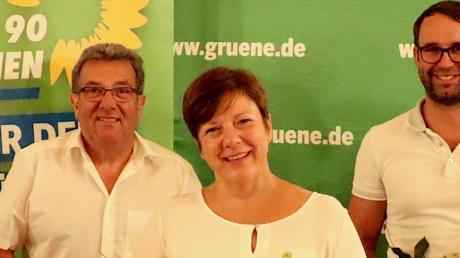 Ulrike Kühner ist die neue Kreisssprecherin.  Kurt Schweizer (links) und Max Deisenhofer (rechts) haben ihre Ämter abgegeben.