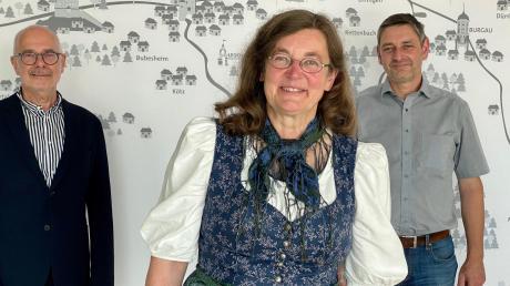 Barbara Mettenleiter-Strobel und Wolfgang Ott (links) wurden für sechs Jahre zu Kreisheimatpflegern des Landkreises Günzburg ernannt. Stephan Uano wurde verabschiedet.