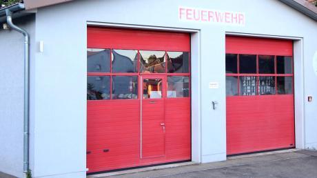 Das Feuerwehrhaus in Schnuttenbach müsste saniert werden.