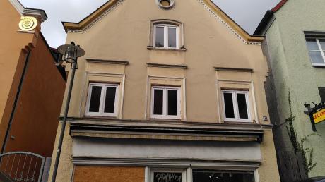 Dieses Haus an der Stadtstraße in Burgau soll abgerissen werden.