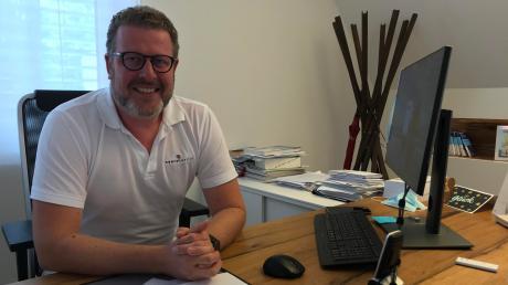 Dr. Stefan Waibel (hier in seiner Günzburger Praxis) hat in der Rehaklinik Olgabad mit den Spätfolgen von Corona-Patienten zu tun.
