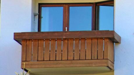 Der Sturz von einem Balkon hatte ein juristisches Nachspiel.
