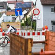 In den nächsten Monaten wird die Straße der Ortsdurchfahrt Wasserburg erneuert. Unter anderem wird an der Kreuzung Ortsstraße/Denzinger Straße/Bubesheimer Straße eine Ampel errichtet, die für mehr Sicherheit sorgen soll..
