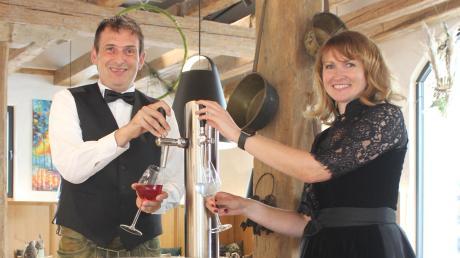 Anja Riehr und Roland Schwerter möchten mit ihrer mobilen Secco-Bar durchstarten – auch wenn es momentan eine schwierige Zeit ist.