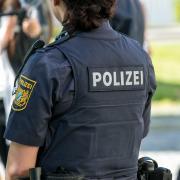 Ein 17-Jähriger hat im Krumbacher Stadtgarten ein Mitglied der Sicherheitswacht beleidigt.