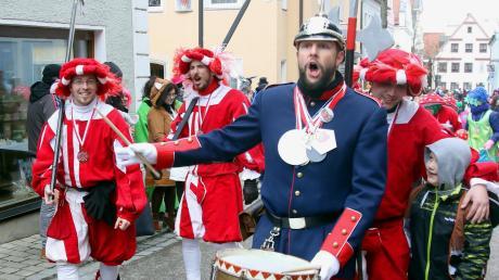 Trommler-Albert, Stadtsoldaten und allen voran die Musikvereinigung der Handschuhmacher: Ein solches Bild wird es im kommenden Jahr nicht geben. In Burgau wurde der Faschingsumzug abgesagt.