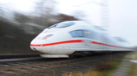 Eine mögliche neue ICE-Trasse sorgt im Kreis Günzburg weiter für Diskussionen.