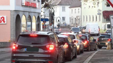 Auf der Bürgerversammlung in Ichenhausen wurde viel über die B16 sowie die Ostumgehung gesprochen.