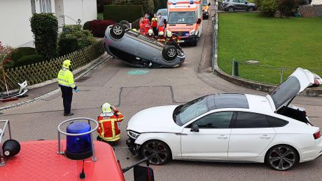 In Burgau hat sich am Mittwoch ein Unfall ereignet. Eine Frau wurde dabei leicht verletzt.
