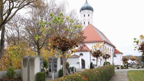 Der Friedhof in Großkötz: In seiner jüngsten Sitzung hat der Kötzer Gemeinderat die Planung für einen Bereich mit weiteren Urnengrabstätten gebilligt.