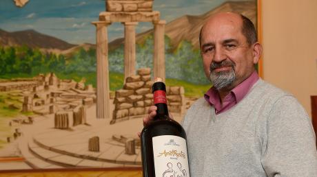 """Athanasios Daloukas ist seit fast 30 Jahren glücklich in Günzburg. Trotzdem wird er sein griechisches Restaurant """"Delphi"""" in wenigen Wochen für immer schließen."""