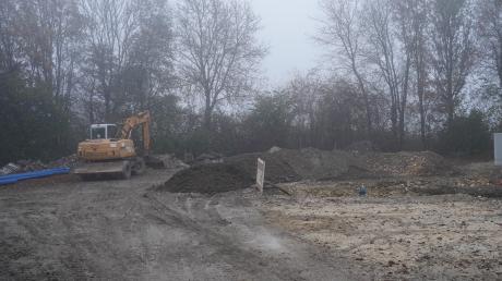 Bauarbeiten im Dezembergrau lassen nur erahnen, dass hier im neuen Jahr das Bubesheimer Wasserhaus gebaut wird mit blitzblanken Edelstahltanks.