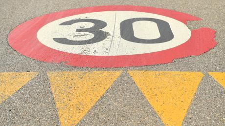 Wenn es um den Wunsch nach Tempo 30 in den Ortschaften geht, stehen die Behörden bei uns schnell auf der Bremse.