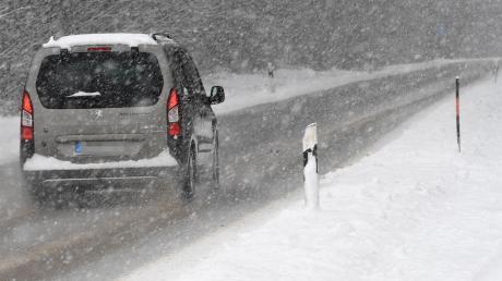 Auf winterlichen Straßen gab es am Montag viele Unfälle.