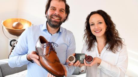 Linda Kramer und ihr Mann Dr. Deniz Sari aus Ettenbeuren haben im Nebenerwerb die Firma Remark Exclusive gegründet. Die beiden Ingenieure sehen einen Markt für exklusive Schnürsenkel aus nachhaltiger Produktion.