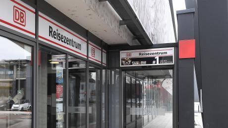 Das Reisezentrum der DB soll geschlossen werden.