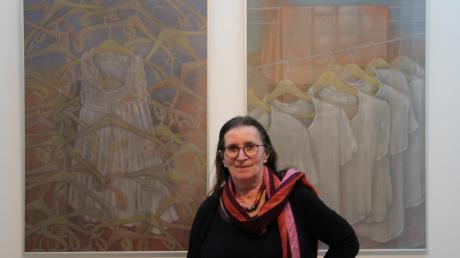 """Unter dem Titel """"In diesen etwas unangenehmen Tagen ..."""" eröffnet im Schulmuseum eine Ausstellung mit Zeichnungen und Collagen der Neu-Ulmer Künstlerin Myrah Adams."""