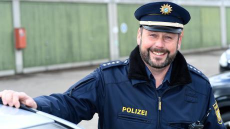 Polizeihauptkommissar Michael Wecker (47 Jahre) ist seit Januar neuer stellvertretender Leiter der Autobahnpolizeistation Günzburg (APS). Er folgt auf Herbert Bregenzer, der zur Kriminalpolizei nach Neu-Ulm wechselte.