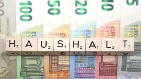 Die Gemeinde Dürrlauingen muss ihre Einnahmen im Auge behalten. Im Gemeinderat wurde der Haushalt 2021 beschlossen.