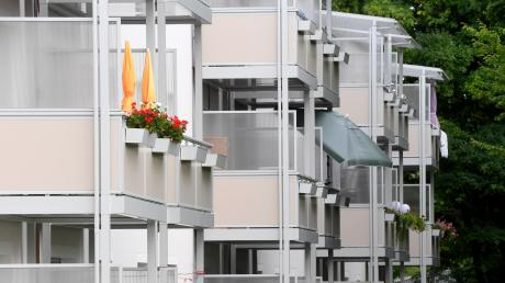 Der Landkreis Günzburg ist an einer Fortschreibung des Leitbilds interessiert. Im Kreisausschuss gab es dabei Kritik – denn Punkte wie bezahlbarer Wohnraum oder Arbeitnehmerrechte seien zu wenig oder gar nicht berücksichtigt.