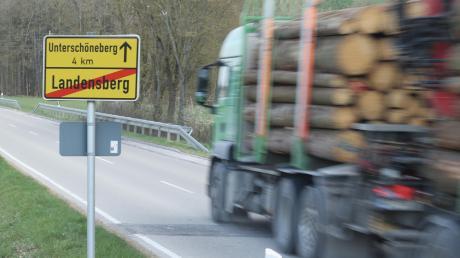 Die Verbindung von Landensberg nach Neumünster soll mit dem Bau eines Radwegs für Radfahrer sicherer werden.