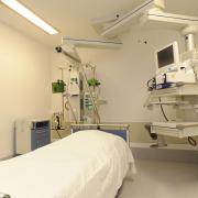 Von 22 Intensivbetten in den Kreiskliniken stehen derzeit wegen Personalmangels nur 19 zur Verfügung. 17 waren am Freitag belegt.