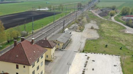 Am Burgauer Bahnhof (auf der freien Fläche rechts oberhalb) soll ein neuer Motorsportplatz beziehungsweise eine Fahrsicherheitsstrecke entstehen