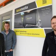 Die drei Gründer (von links) Michael Niederwieser, Max Wedelek und Michael Mis vor ihrem neuen Arbeitsplatz im Areal Digital.
