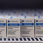 1600 Impfdosen des Vakzins von Johnson & Johnson erhält der Landkreis Dillingen am Freitag – ebenso wie weitere Landkreise und kreisfreie Städte in Bayern.