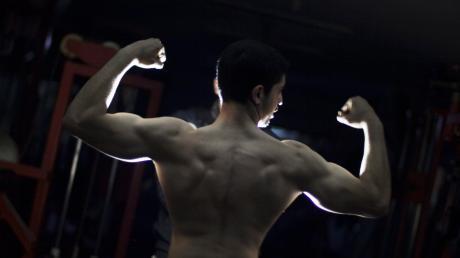 Ein 30-Jähriger wollte als Bodybuilder groß rauskommen. Dafür besorgte er sich massenweise illegale Dopingmittel. Jetzt landete er vor dem Amtsgericht in Günzburg, kam aber noch mal glimpflich davon.