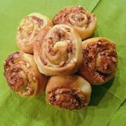 Backen Sie mit diesem Rezept Nussschnecken Apfelgelee.