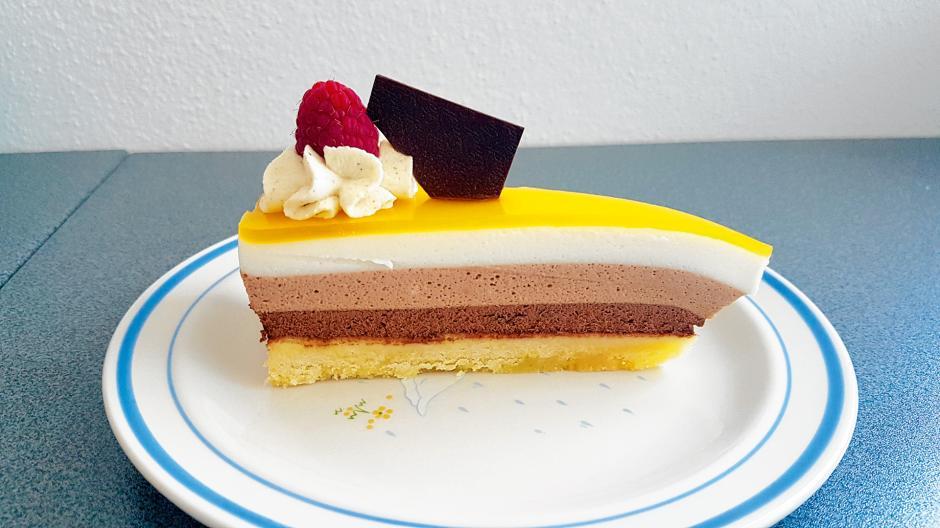 Schoko-Kokos-Torte mit Maracujagelee
