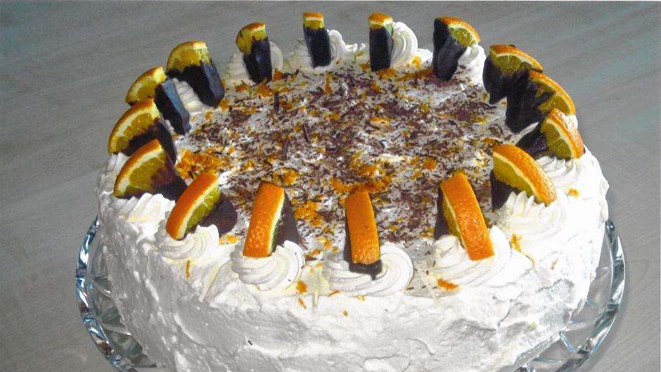 Orangen-Wickeltorte